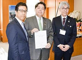 五輪招致へ施設など支援要請 秋元札幌市長ら林文科相訪問