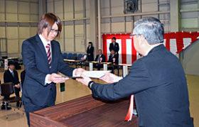 技能者目指し 釧路高等技術専門校で修了・入校式