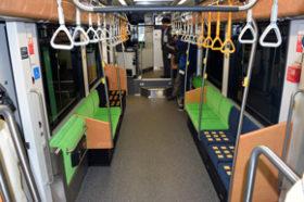 路面電車新型低床車両をきょう一般公開 札幌市交通局