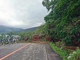 台風21号 暴風被害各地で 支笏湖畔では土砂流出