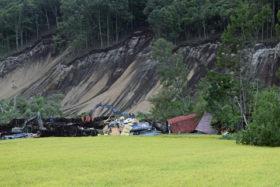 地震被害 道道16路線49カ所、林地崩壊は厚真など4町