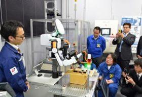 ロボットで労働力不足解消 食料品製造へ導入PR