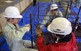 札幌工高で結束線作業など出前授業 道鉄筋業協組が協力