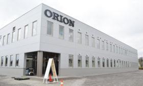オリオン機械 自動給餌器など増産へ千歳に第2工場