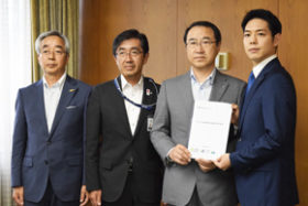 震災の復旧・復興加速を 胆振東部3町が鈴木知事に要望