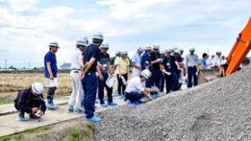 「石炭ズリ」暗渠の疏水材に活用 栗山町で実証試験