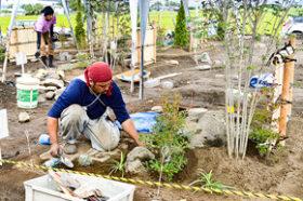 技能検定試験で庭園仕上げに挑戦 道職能開発協会が主催