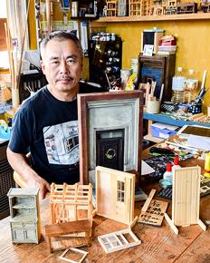 元建材店の経験生かしドールハウス制作 杉山武司さん