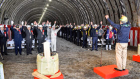 日高自動車道大狩部トンネルが貫通
