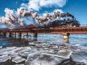 金賞は氷片漂う釧路川渡るSL ひがし北海道フォトコン