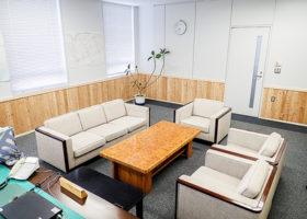 震災の記憶、後世へ 胆振総合局が庁舎内装に被災木活用