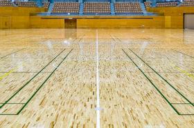 特殊樹脂で木製床材のささくれ抑制 空知単板工業