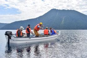 CFで協力募り継続中 摩周湖の湖水モニタリング調査