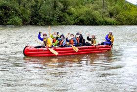 Eボートで空知川を下る 体験ツアーの可能性を模索