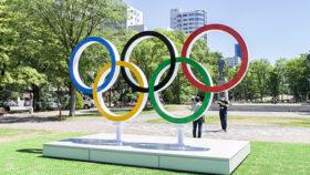23日開会へ準備進む 札幌・大通公園に五輪モニュメント