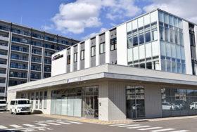 福祉のまちづくり賞に坂泌尿器科病院と倶知安町役場庁舎